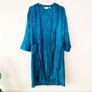 VS GOLD LABEL Blue Detailed Kimono Robe MD/LG